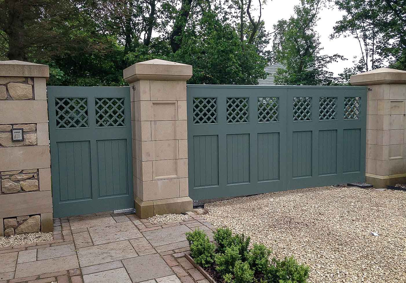 Jack Hyams - Scotland Gates Manufacturer